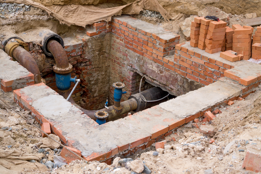 Sewer Repair Dearborn MI | Springline Excavating - iStock_000076004657_Small